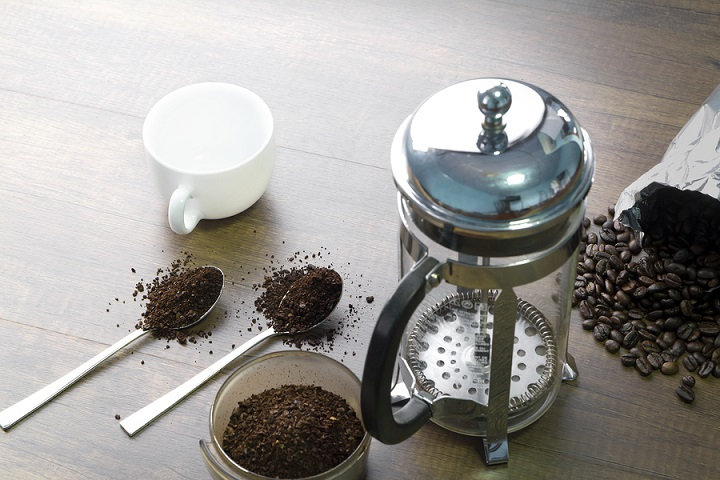 How-to-Grind-Coffee-for-French-Press