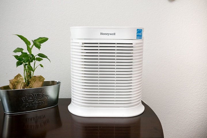 Top 17 Best Large Room Air Purifiers In 2019
