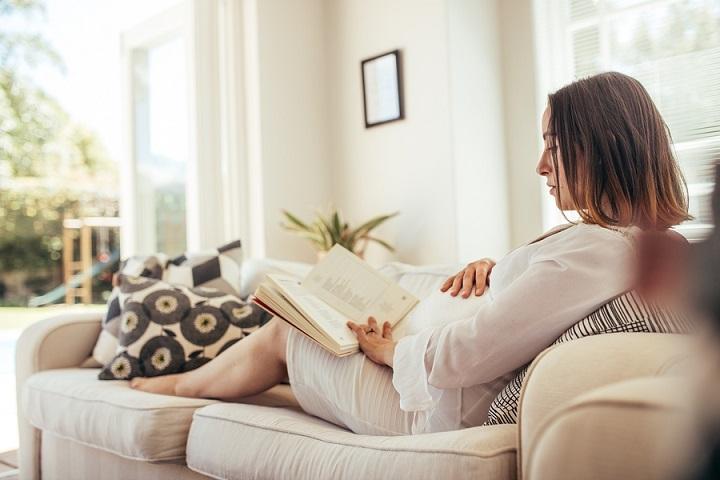 Reclining-Sofa-Buying-Guide